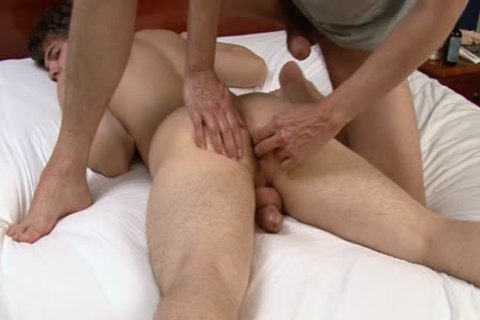 Shawn Lane Enjoys A nice Massage